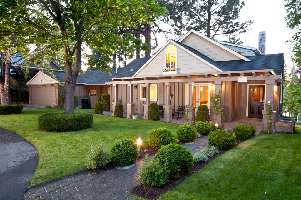 how to photograph real estate exteriors