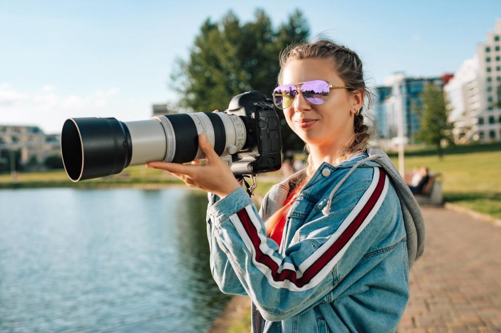 4 Benefits of Buying Used Lenses image