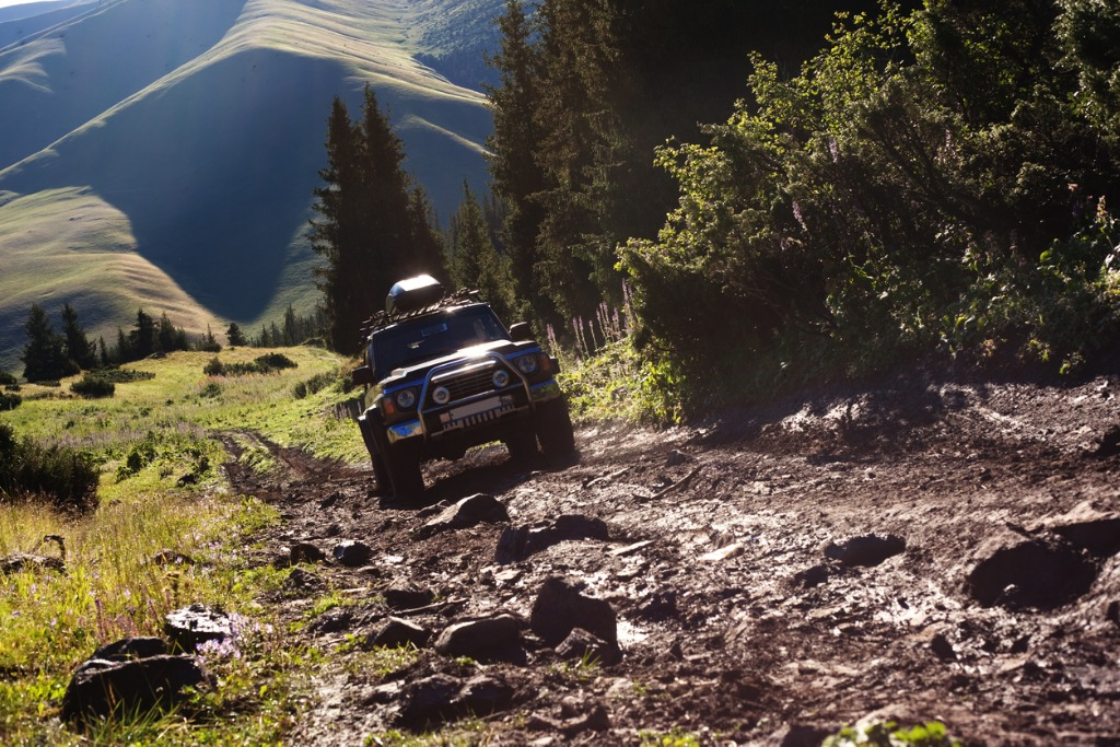 Unibody Structure vs Body on Frame: Which is Best for Off-Roading?