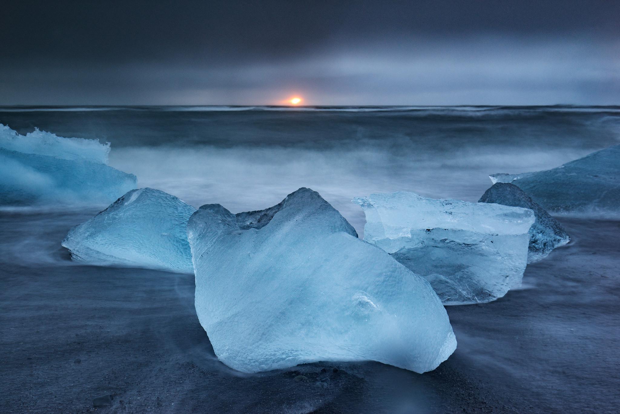 Ice glow