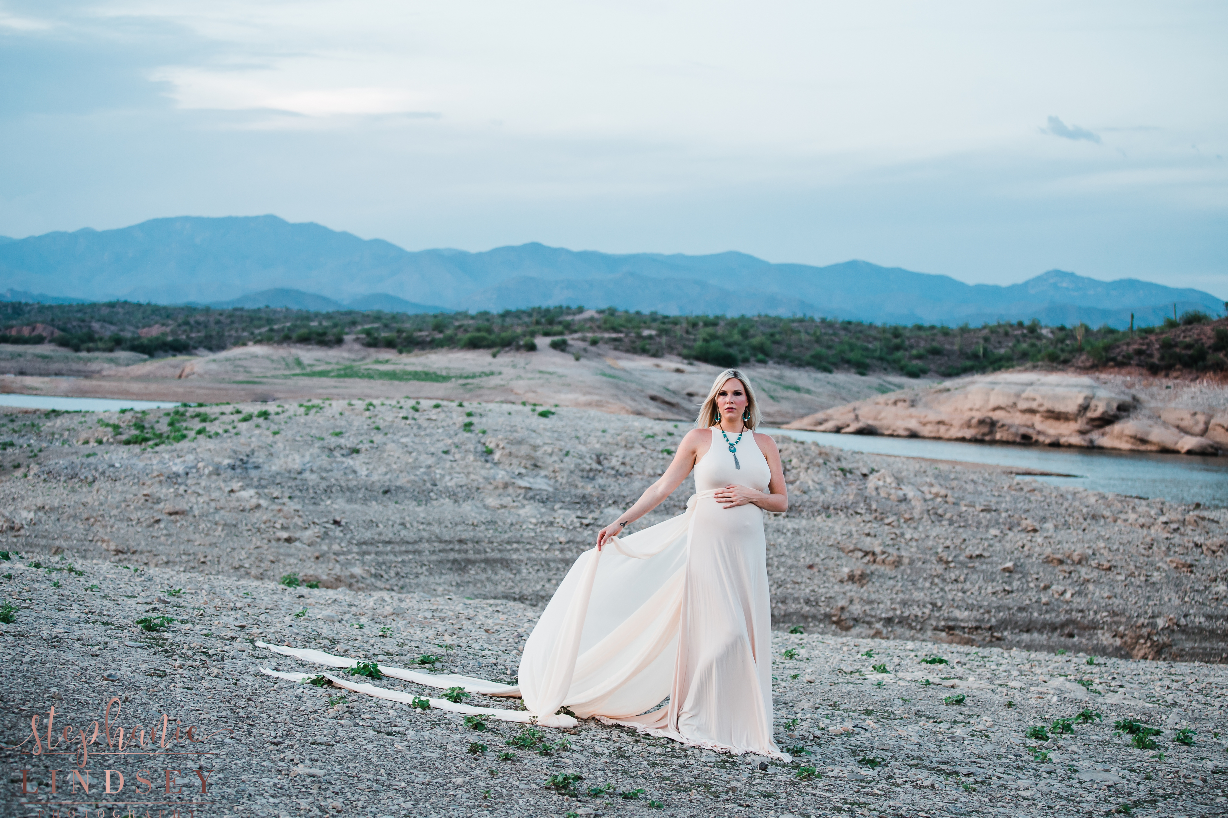 Lake Pleasant Maternity - Stephanie Lindsey Photography