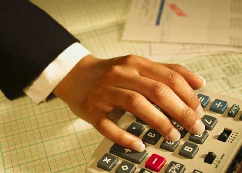 accountant-degress-picture image
