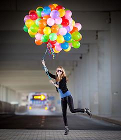 girl_balloons image