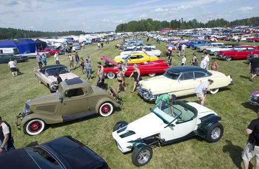 Photography Tip Techniques To Shoot Better Pictures At An Outdoor - Car show photography