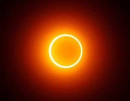 solar-eclipse2 image